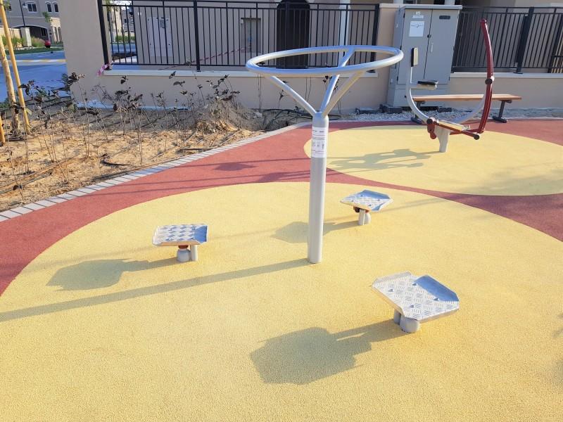 Inter-Play Spielplatzgeraete Dreifacher Twister