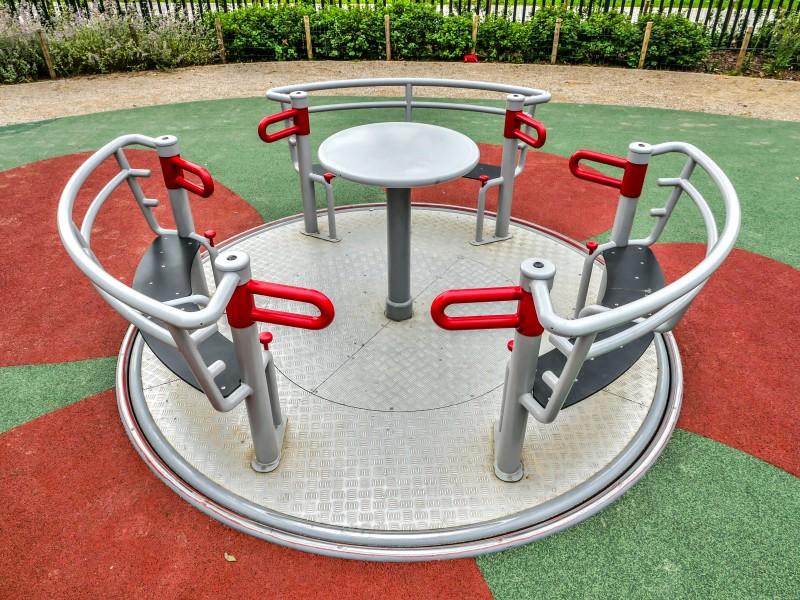 Inter-Play Spielplatzgeraete YUGO 3