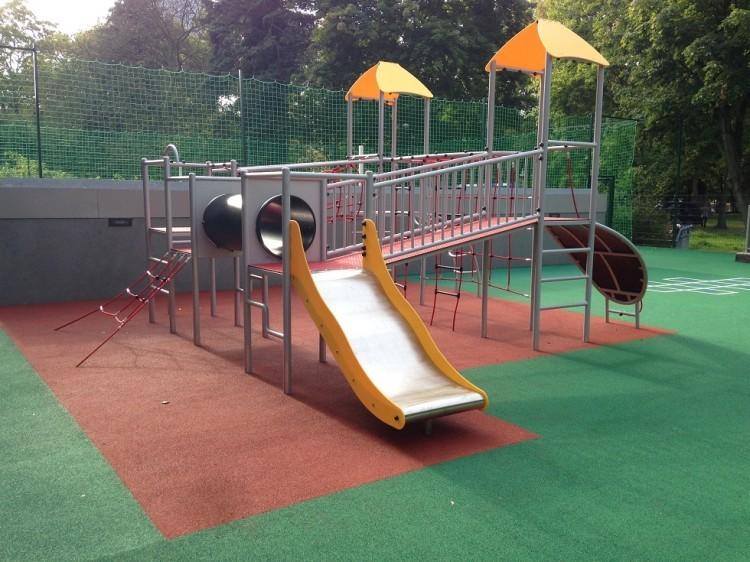 Inter-Play SpielplatzgeraeteGerbera - climbing frame
