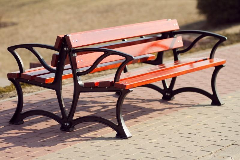 Cast-iron bench 02 Inter-Play Spielplatzgeraete
