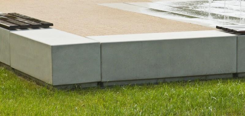 DECO Beton Sitzbank  5 Inter-Play Spielplatzgeraete