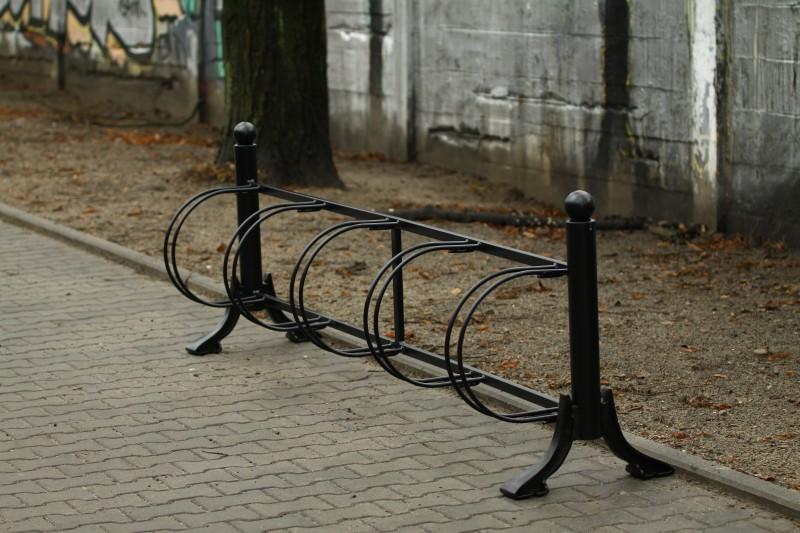 Fahrradständer aus Gusseisen 01   Inter-Play Spielplatzgeraete