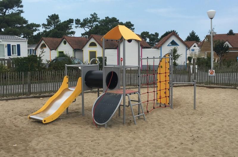 CAMELLIA Inter-Play Spielplatzgeraete
