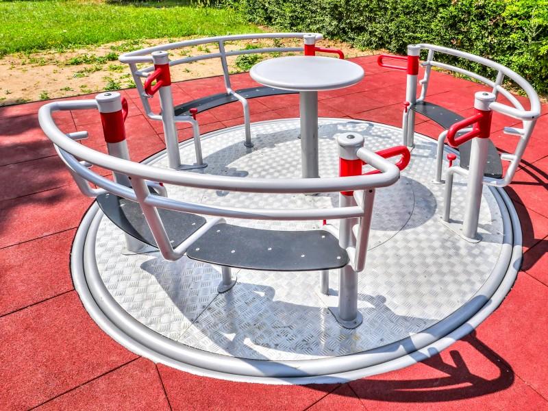 YUGO 3 Inter-Play Spielplatzgeraete