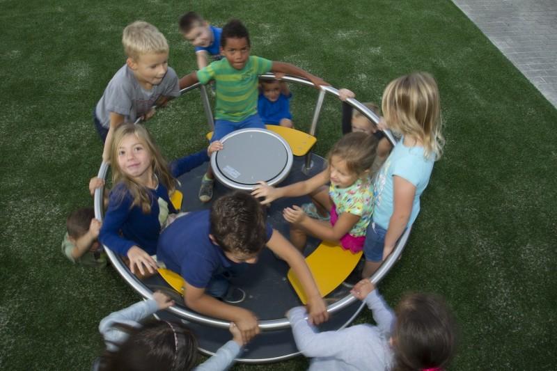 TURNADO Inter-Play Spielplatzgeraete